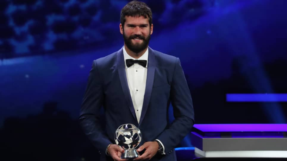 Alisson Becker ganador de los premios The Best de la FIFA
