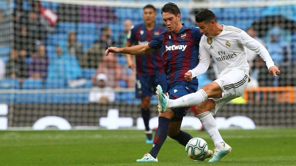 James Rodríguez, Real Madrid-Levante: tacos, lujos y pases