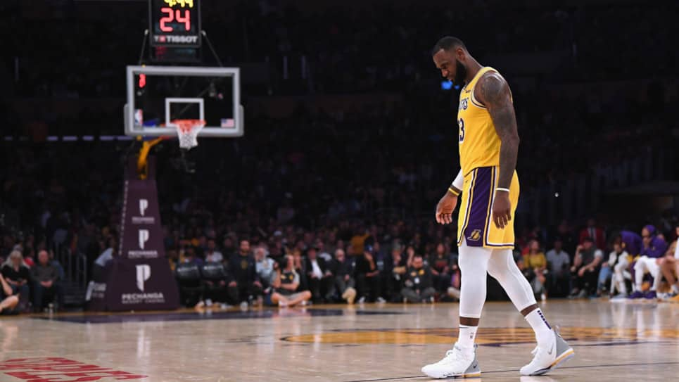 VIDEO | LeBron y los Lakers no levantan cabeza en la NBA