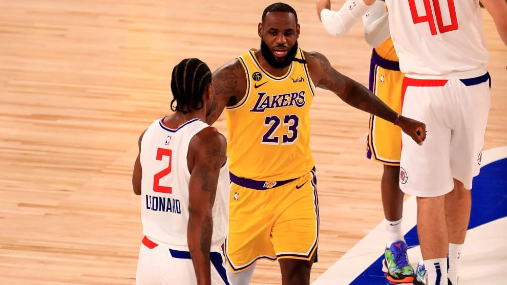 os Lakers vencen a Clippers en reinicio de temporada NBA
