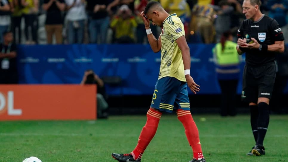 VIDEO | ¿Por qué William Tesillo pateó el quinto penal de Colombia contra Chile?