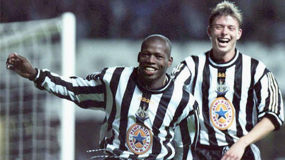 Tripleta Tino Asprilla, Newcastle vs Barcelona: Champions League 22 años