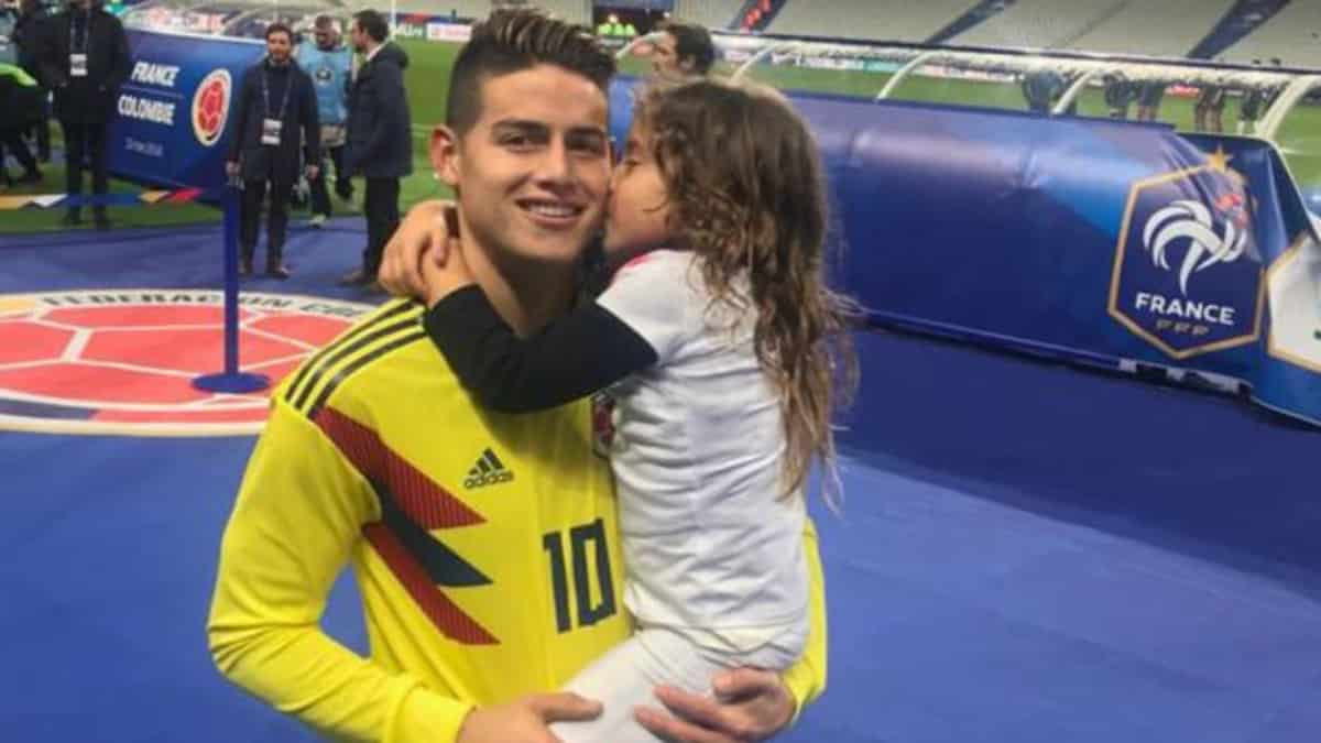 James Rodríguez y su hija Salomé.